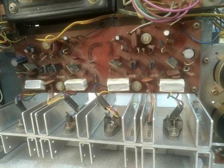 αντικατασταση ηλεκτρολυτικων πυκνωτων ενισχυτη