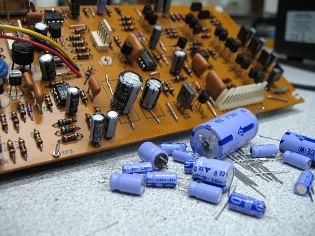 Αντικατάσταση ηλεκτρολυτικών πυκνωτων σε πικαπ micro seiki