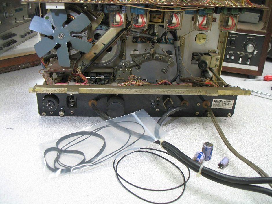 αντικατάσταση ιμάντων σε μπομπινόφωνο teac a-7030