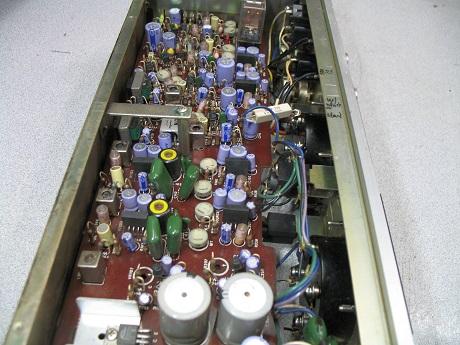 αντικατάσταση ηλεκτρολυτικών πυκνωτών σε μπομπινόφωνο