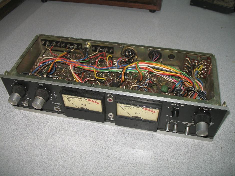 v- u meter service teac