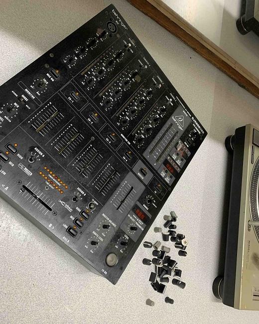 behringer dj mixer service